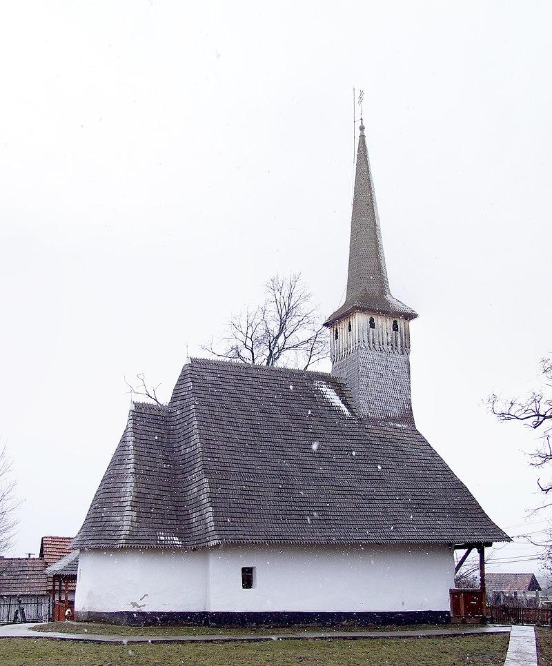 5. Biserica de lemn din Botean