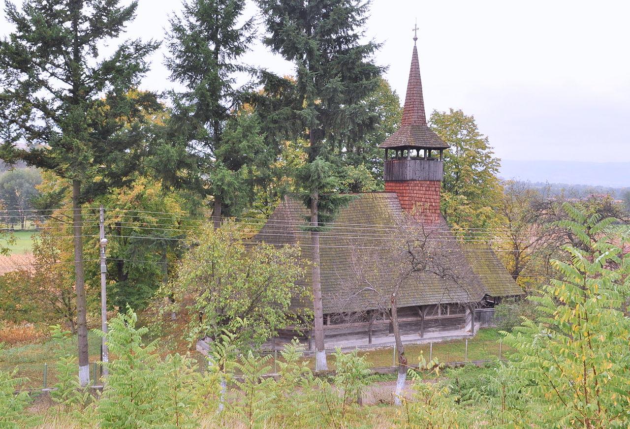 6. Biserica de lemn din Luncșoara