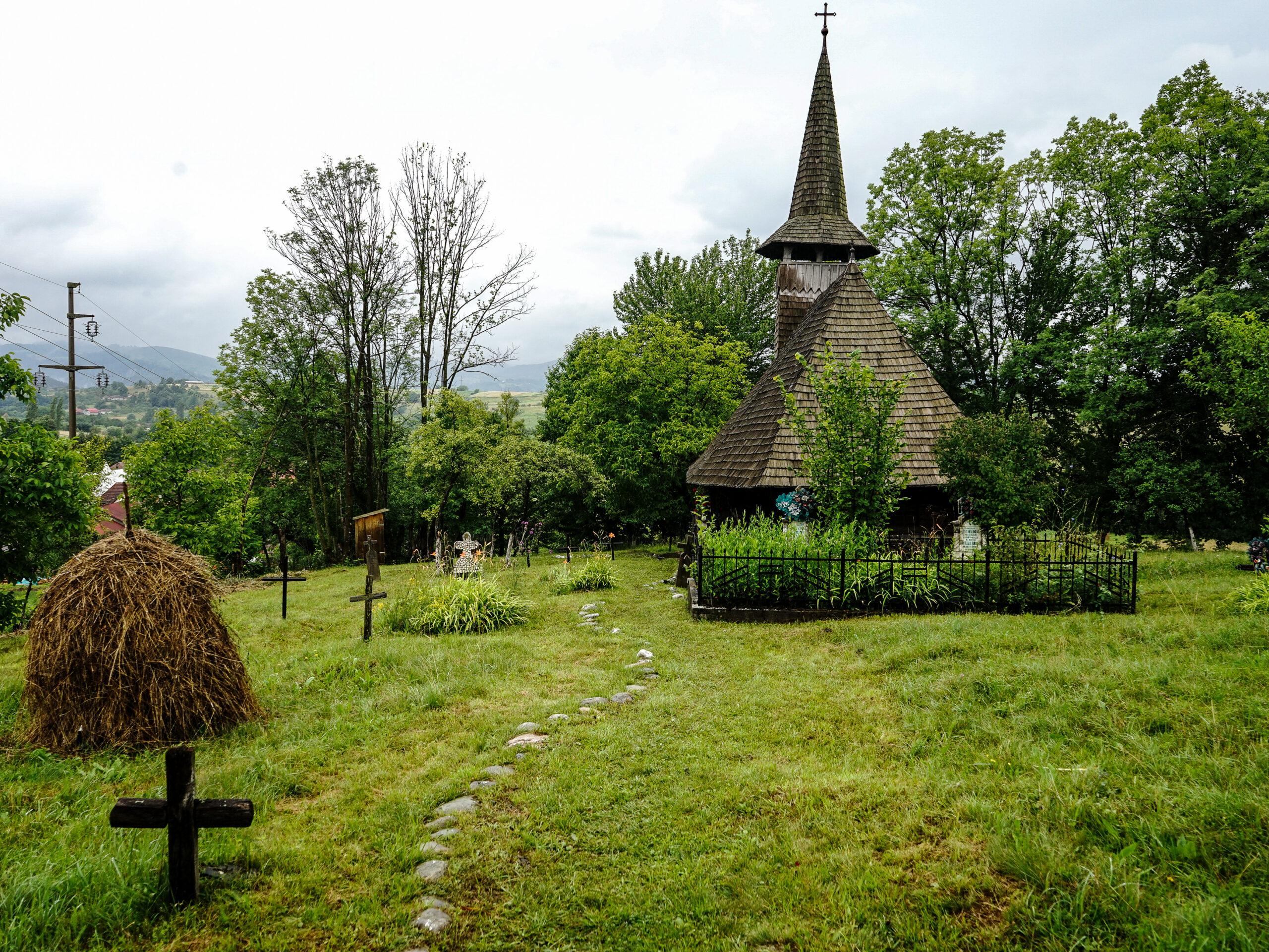 7. Biserica de lemn din Valea Crișului scaled