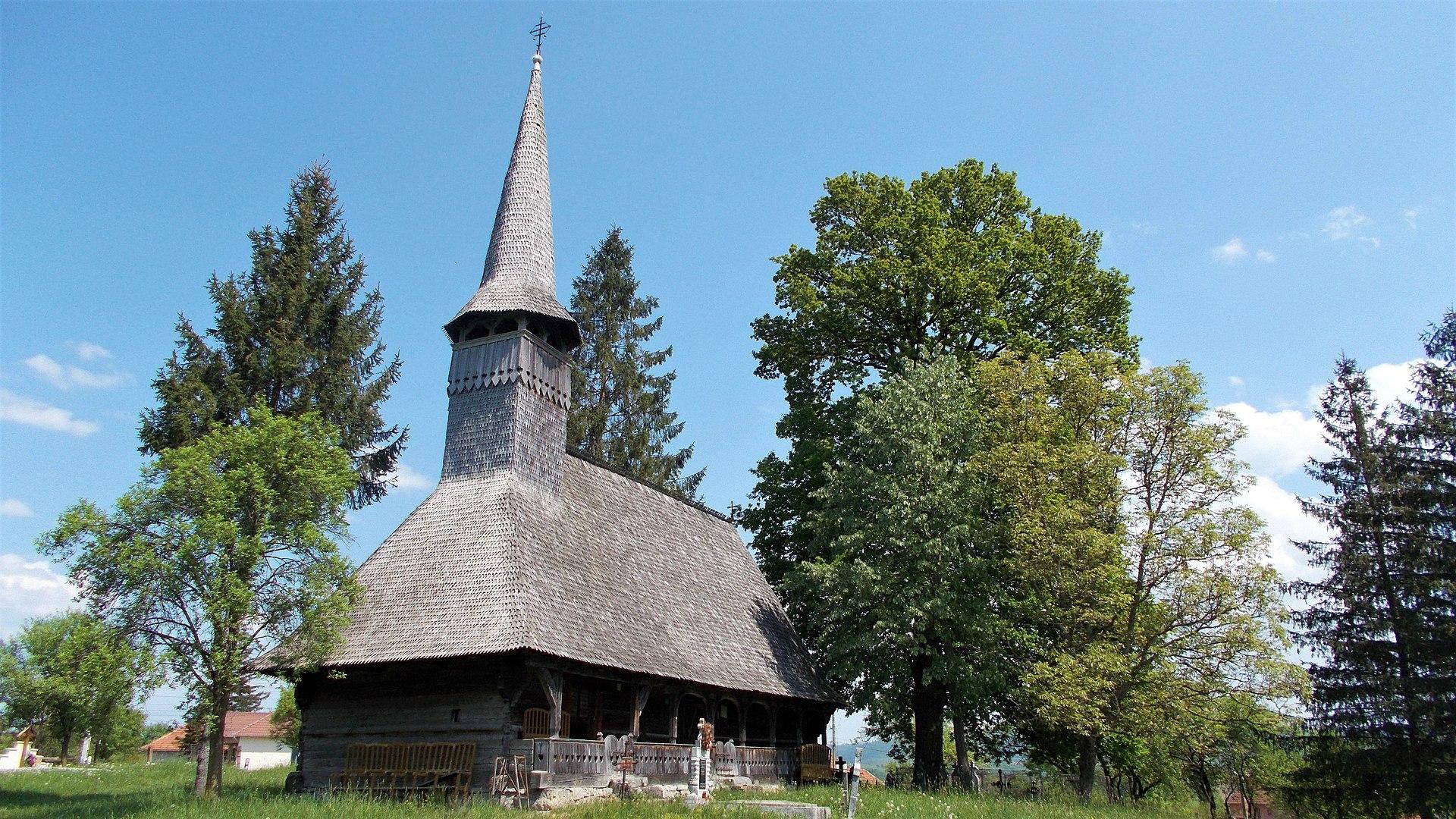8. Biserica de lemn din Beznea