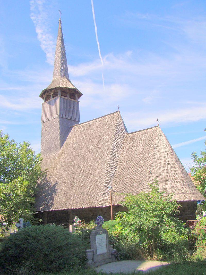 9. Biserica de lemn din Tilecuș