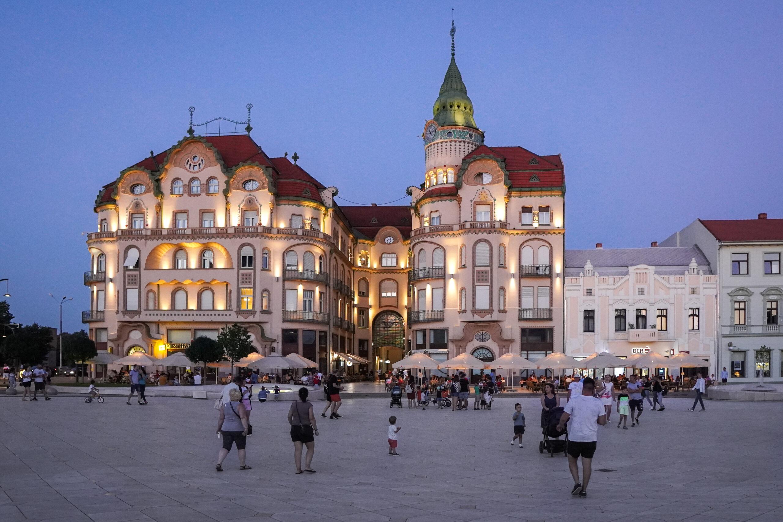 Spectacole de muzică, dans și teatru, în Piața Unirii